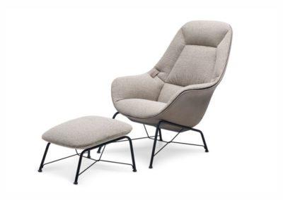 Jori - Model: Prelude Lounge