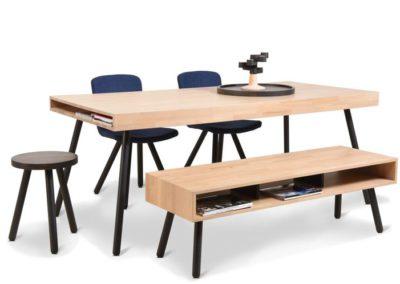 Moome - Model: Jon Table